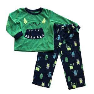⭐️ Boys Size 4T Carters Fleece Pajamas
